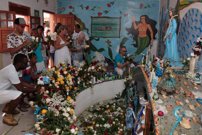 Iemanjá tem cor? Por que a divindade de origem africana se transformou em 'mulher branca' no Brasil
