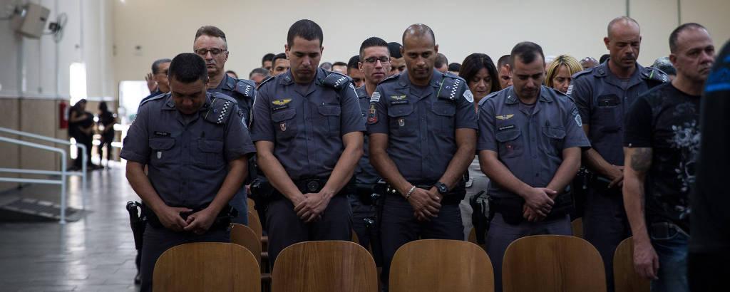 Policiais militares participam de programa no Templo da Igreja Universal do Reino de Deus, em São Paulo