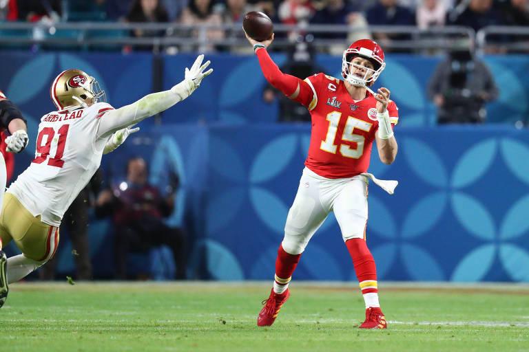 Patrick Mahomes, do Kansas Chiefs, destaque no Super Bowl