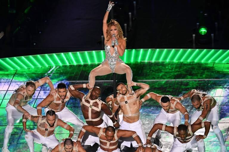A cantora Jennifer Lopez canta no Super Bowl LIV