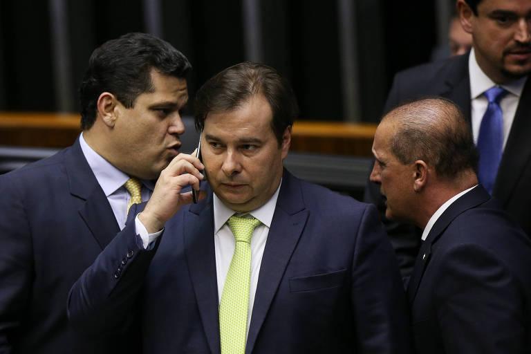Davi Alcolumbre, Rodrigo Maia e Onyx Lorenzoni, em sessão no Congresso nesta segunda-feira (3)