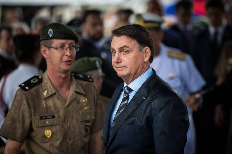 Bolsonaro esteve em São Paulo, nesta segunda (3), onde participou de cerimônia de lançamento da pedra fundamental de colégio militar, em Campo de Marte