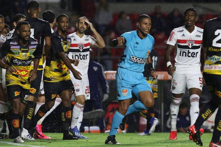 Lance do empate por 1 a 1 entre São Paulo e Novorizontino pela quarta rodada do Paulista