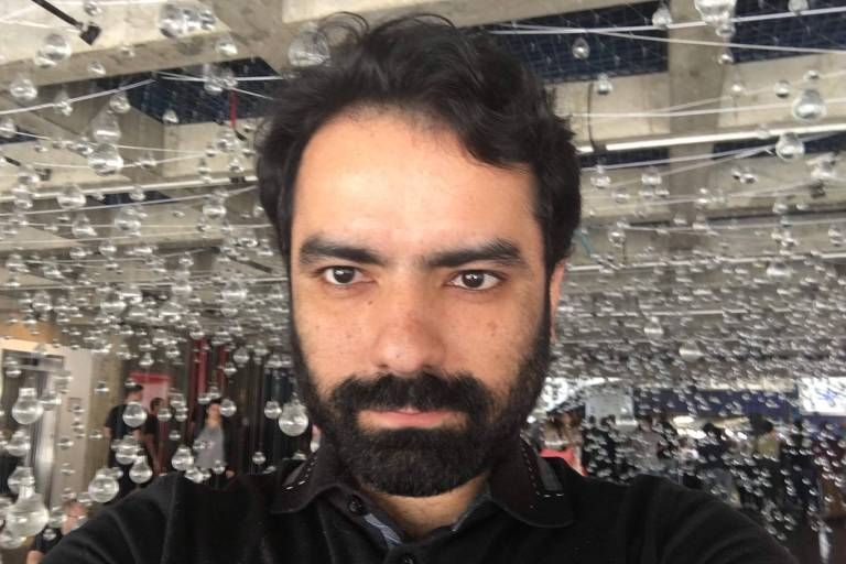 Marlos Ápyus Jornalista e músico