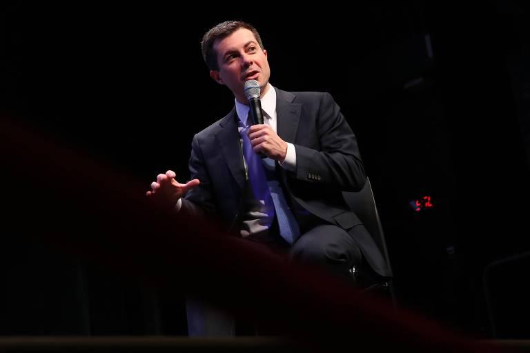 Pete Buttigieg discursa em evento de campanha em Concord, New Hampshire