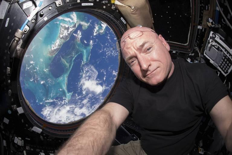 O astronauta da Nasa Scott Kelly, que detém o recorde de estadia na Estação Espacial Internacional entre os americanos
