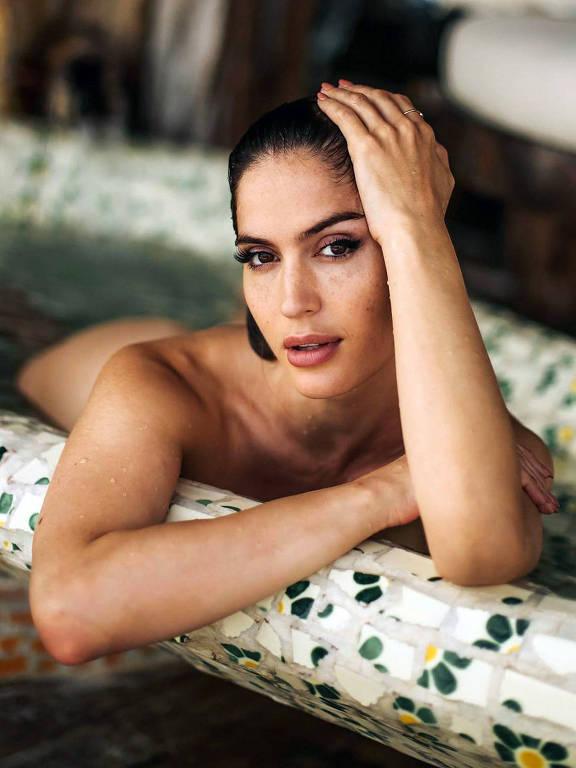 Imagens da modelo Natalía Barulích