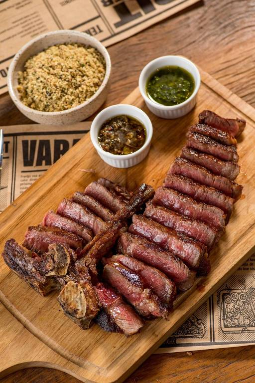 T-Bone maturado a seco servido no Bark & Crust