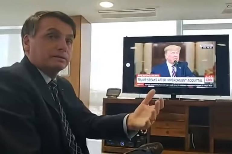 Bolsonaro faz transmissão ao vivo enquanto Trump se pronuncia sobre absolvição em processo de impeachment, em fevereiro deste ano