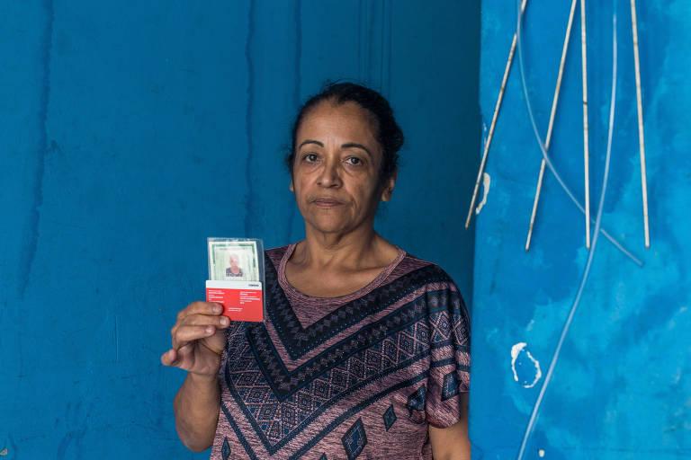 Maria Socorro conta que profissionais chegam atrasados ao plantão e alguns são destreinados; ela solicita que o convênio médico tome providências
