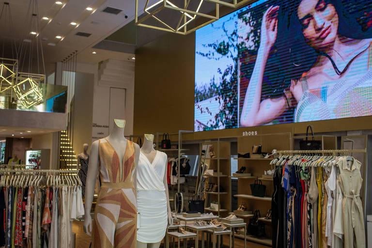 Loja do grupo Morena Rosa que se vale do conceito one-stop-shop, que coloca no mesmo espaço todas as marcas do grupo