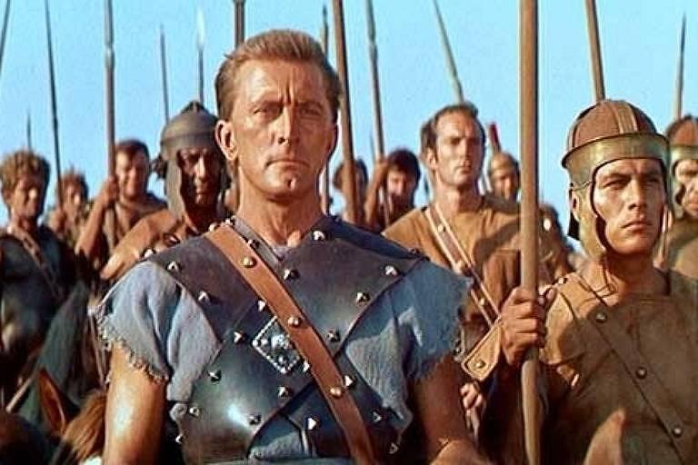 """O ator Kirk Douglas em cena de """"Spartacus"""""""