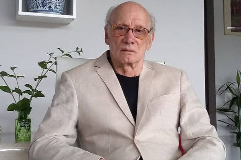 Mario Augusto dos Santos Filho, ex-comissário da Varig, era um dos funcionários que importavam remédios para pacientes com Aids
