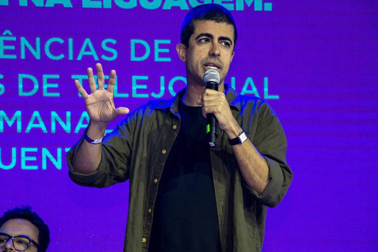 O humorista Marcius Melhem na CCXP 2019