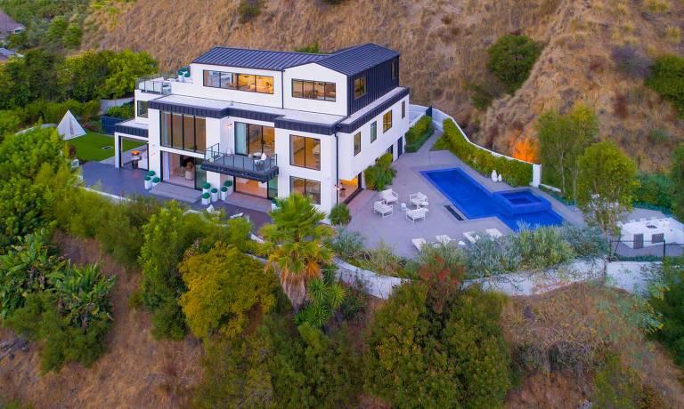 Mansão onde morou Demi Lovato está à venda