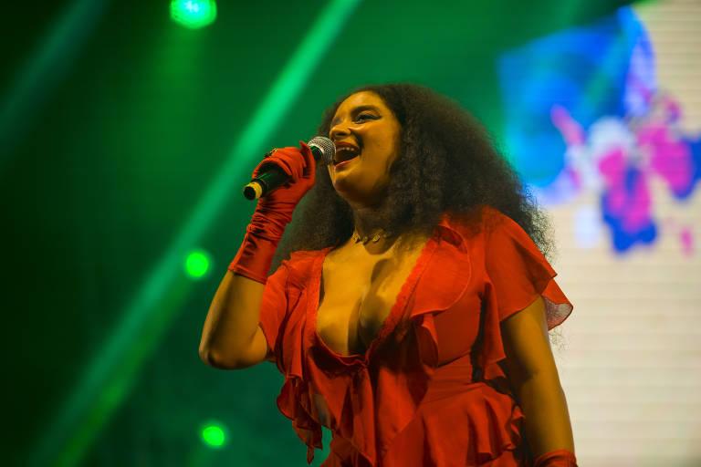 MC Tha em show no festival S.E.N.S.A.C.I.O.N.A.L!, na esplanada do Mineirão, em Belo Horizonte