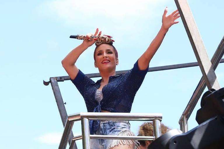 Claudia Leitte estreia no carnaval carioca