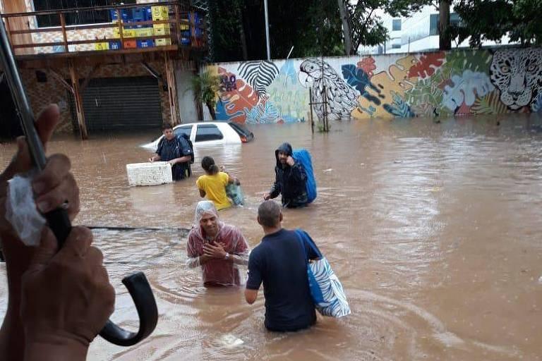 Grupo se mobiliza para levar doações para atingidos por chuva em SP