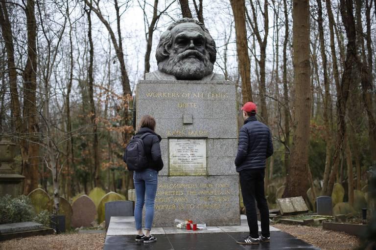 Câmeras monitoram túmulo de Karl Marx, que ainda não consegue escapar da vigilância