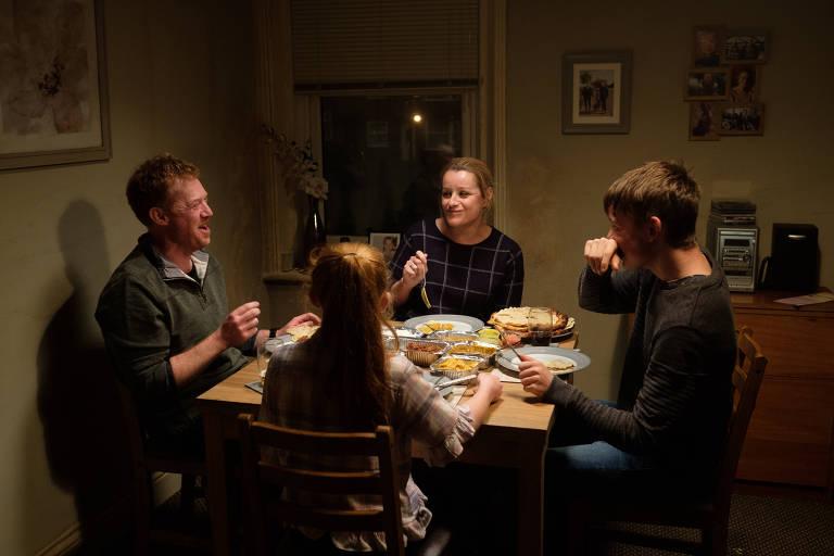 Cenas do filme 'Você Não Estava Aqui', de Ken Loach