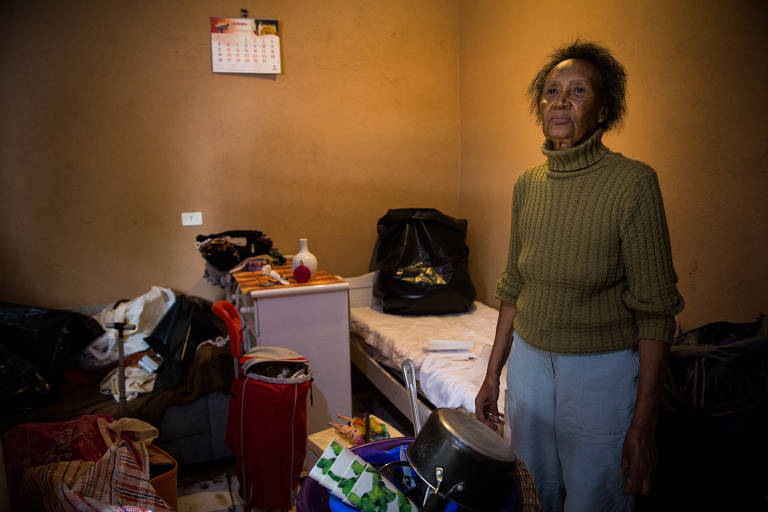 Favelas da Linha e do Nove sofrem com enchente em SP