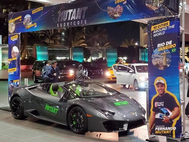 Lamborghini na feira Natpe Miami, antes da chuva