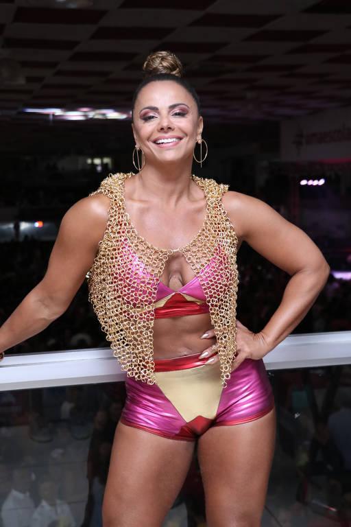 Imagens da atriz e Rainha de Bateria Viviane Araújo