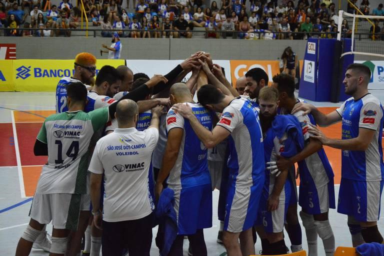 Equipe do São José Vôlei na Superliga B