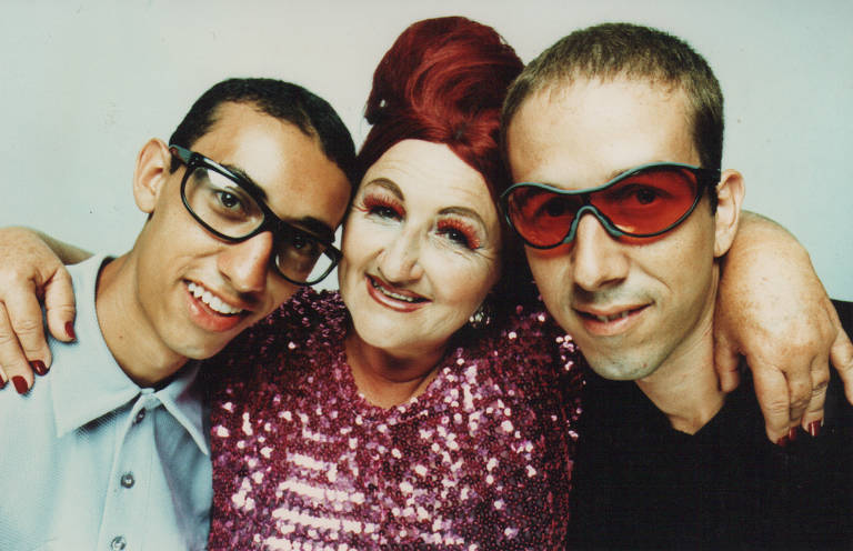 Alvinho L Noise (irmão de Anderson), Mamma Noise (mãe) e o DJ Anderson Noise, em 1996