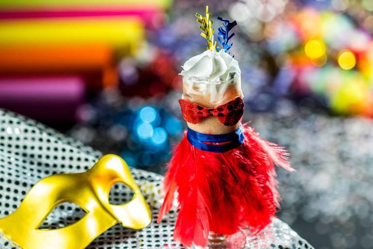 Drinques carnavalescos são oferecidos em bares de SP