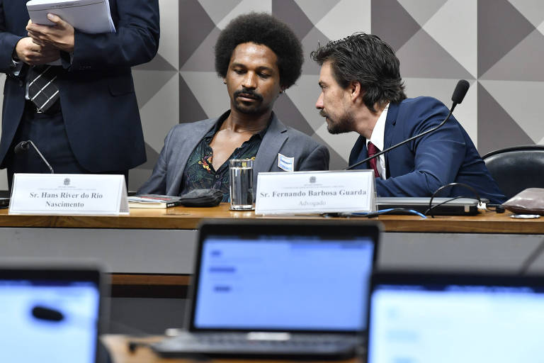Hans River do Rio Nascimento (à esq.) durante depoimento à CPMI das Fake News no Congresso