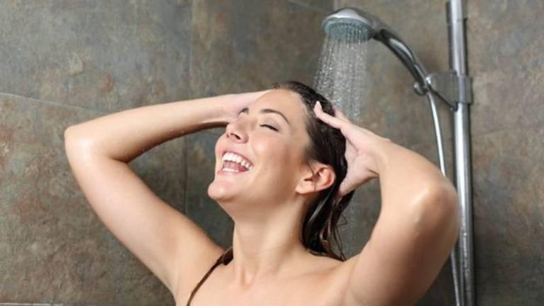 Há uma explicação científica para as ideias geniais durante o banho