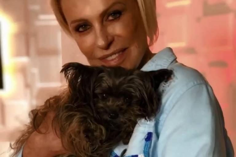 Ana Maria Braga e a cadelinha Sombrinha
