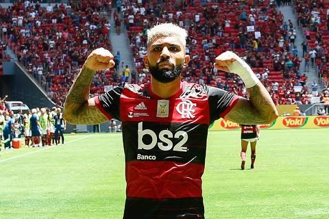 Flamengo domina o Athletico-PR e é campeão da Supercopa do Brasil