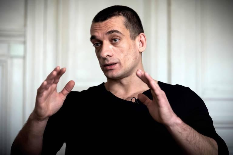 Pyotr Pavlensky durante entrevista à AFP conta que foi ele o divulgador dos vídeos de Benjamin Griveaux com conteúdo sexual