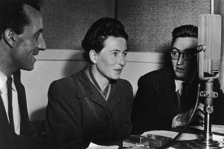 Filósofa e escritora francesa Simone de Beauvoir em 1945