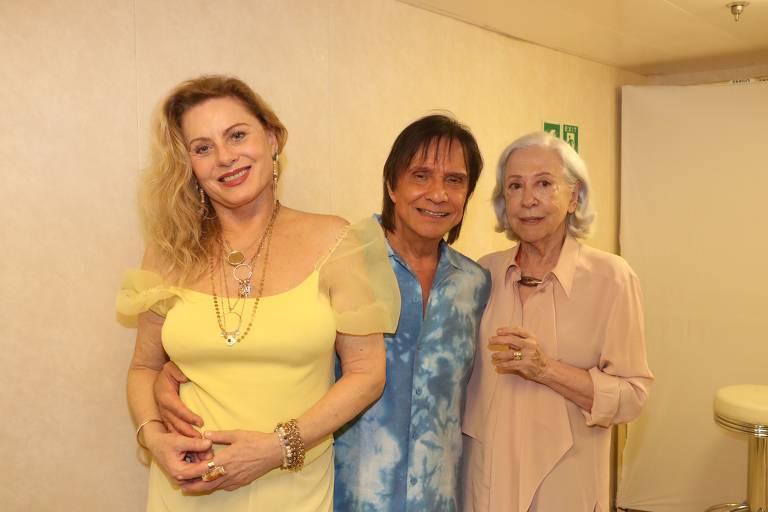 Roberto Carlos com as atrizes Fernanda Montenegro e Vera Fisher
