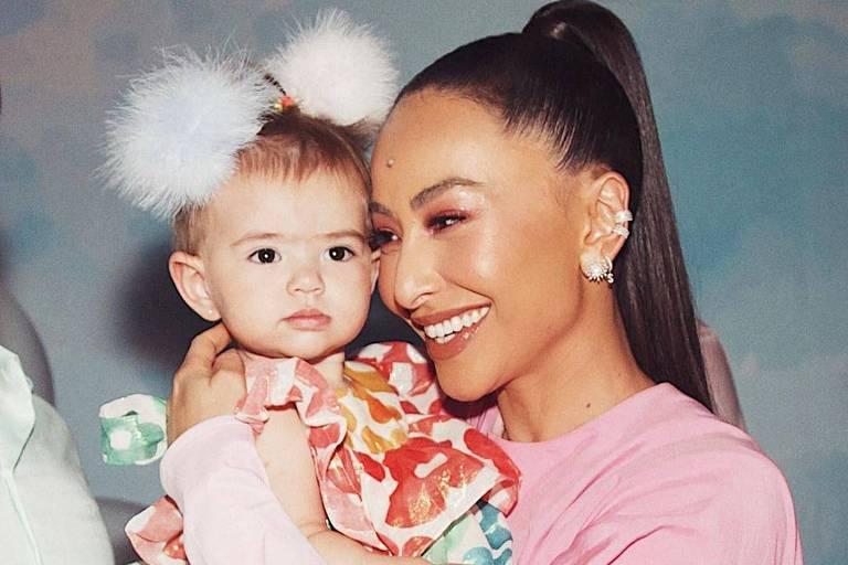 Sabrina Sato com filha Zoe