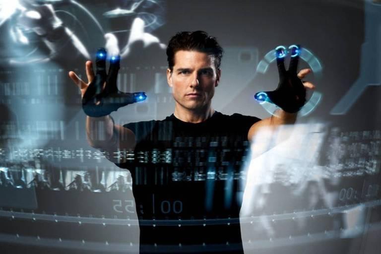 """""""Minority Report"""", filme com Tom Cruise, dirigido por Steven Spielberg, no qual a política utiliza tecnologia de ponto para tentar prever crimes"""