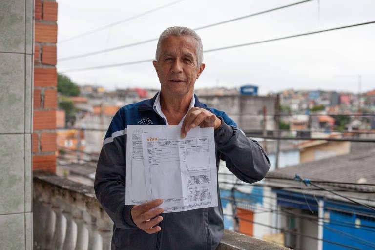 Milton Ribeiro de Souza diz que a Vivo está fazendo cobranças indevidas