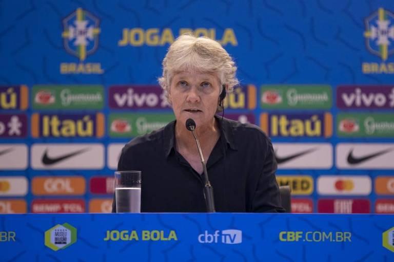 A técnica da seleção brasileira feminina Pia Sundhage concede entrevista