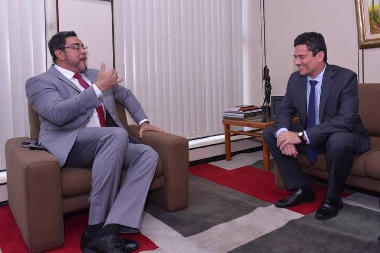O juiz Marcelo Bretas, com Sergio Moro e com o diretor-geral da PF, Maurício Valeixo, em encontro no Rio, em 28.jan.20