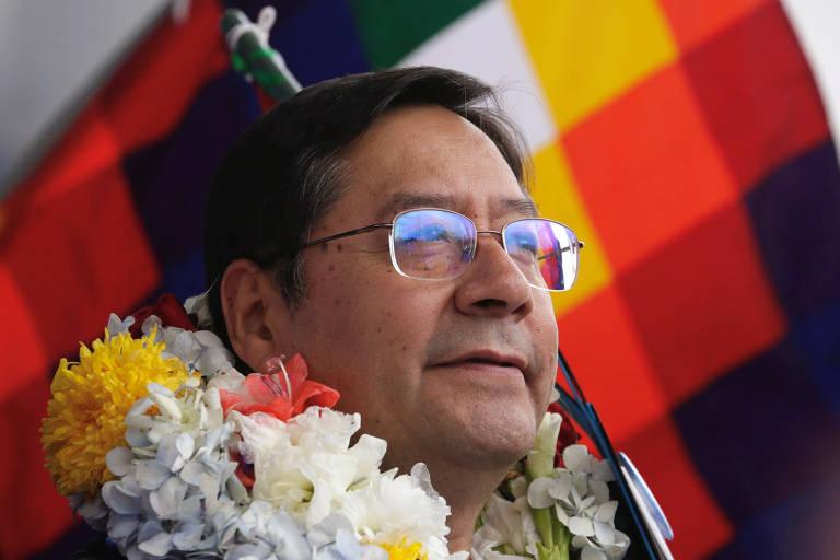 O candidato Luis Arce, do MAS, durante evento de campanha em El Alto, na Bolívia
