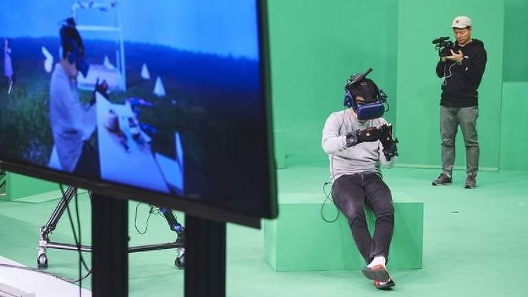 A equipe passou oito meses desenvolvendo o holograma de Na-yeon e o cenário de realidade virtual onde mãe e filha se encontrariam