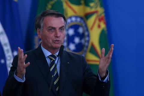 Bolsonaro não está à altura do cargo se apoiou ato contra o Congresso, diz Celso de Mello