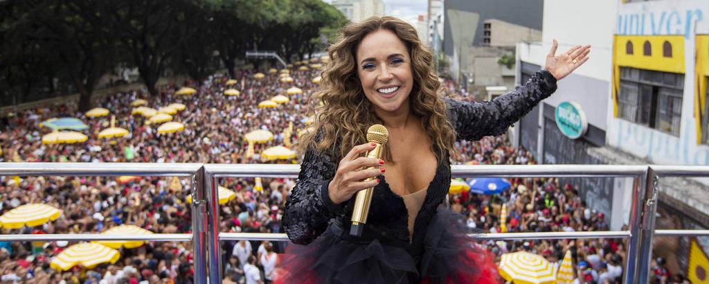 Bloco Pipoca da Rainha, com a cantora Daniela Mercury, na rua da Consolação