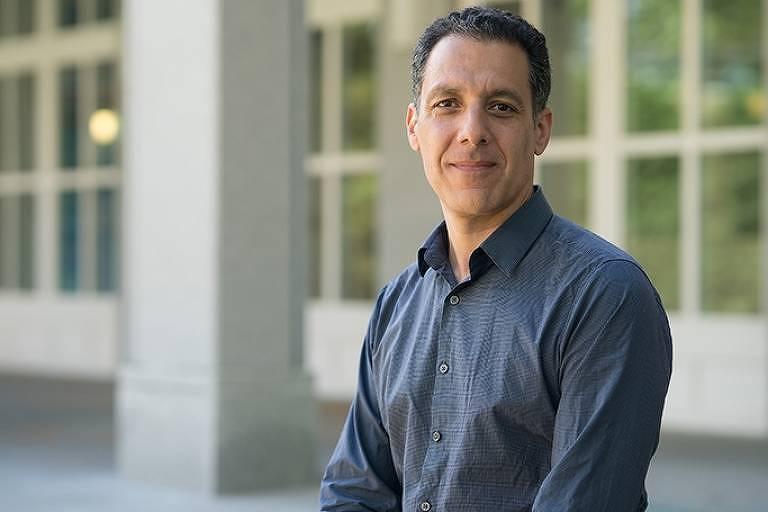 Hany Farid, professor da Universidade da Califórnia, em Berkeley, e especialista em análises de imagens falsas
