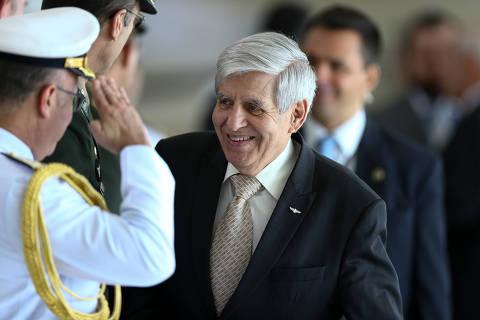 Ato com grupos autoritários é incentivado por Bolsonaro e gera repúdio