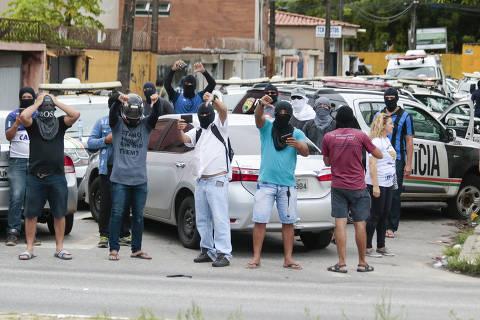 Grupo de PMs que reagiu e atirou em Cid Gomes ocupa outro batalhão no interior do Ceará