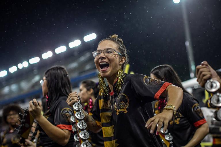 Favorita na Olimpíada, Pâmela Rosa troca skate por ganzá no Carnaval